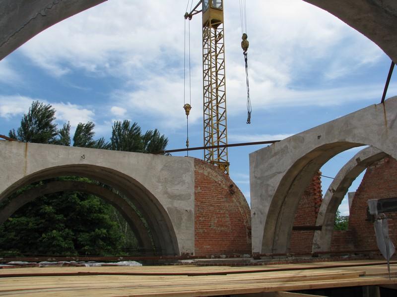 Продовжується будівництво великого